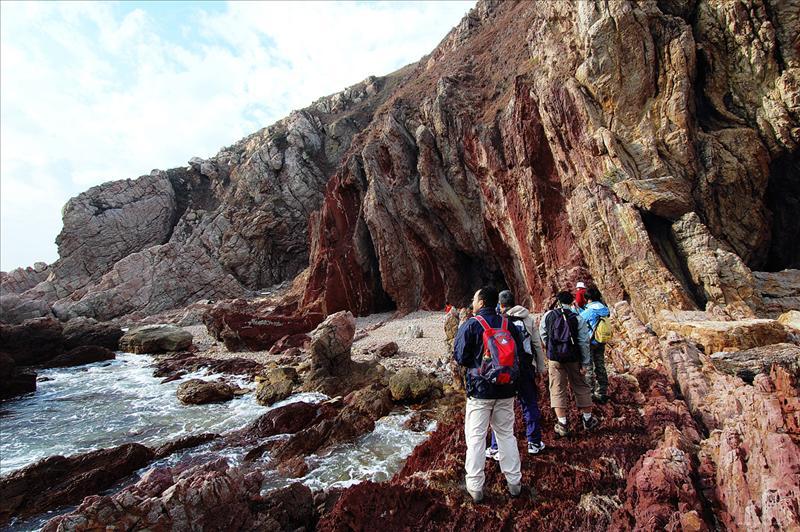 Wong Chuk Kok Tsui (Bluff Head) has the oldest rocks in Hong. Kong 黃竹角咀擁有香港部分最古老岩石,已有4億年歷史