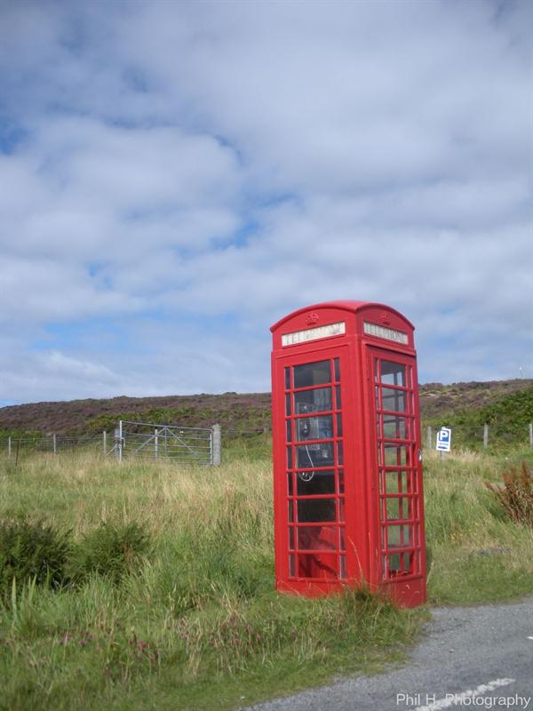 Isle of Skye (phone box in the middle of nowhere)