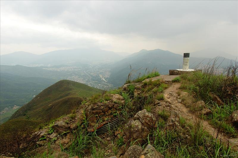 三百六十米高的大嶺(龍山)山頂標高柱 Lung Shan