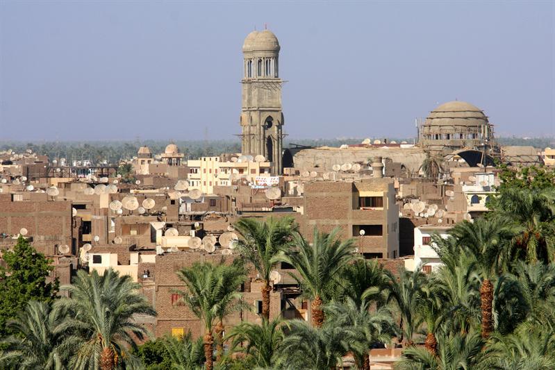 Luxor met schotels
