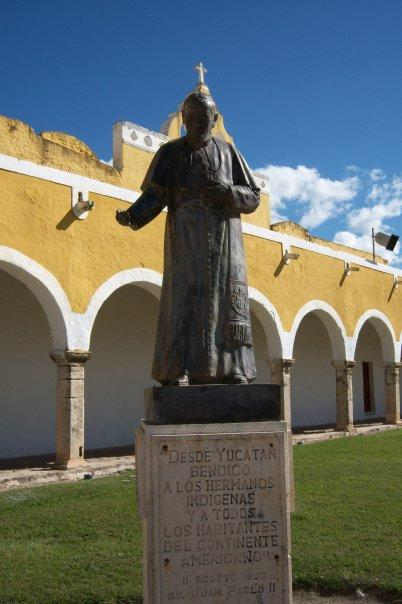 IZAMAL, YUCATAN - CONVENTO DE SAN ANTONIO DE PADUA - LIVE IN PEACE WITH YOUR POPE - AGAIN!!!