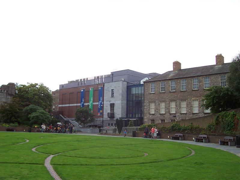 Park at Dublin Castle.