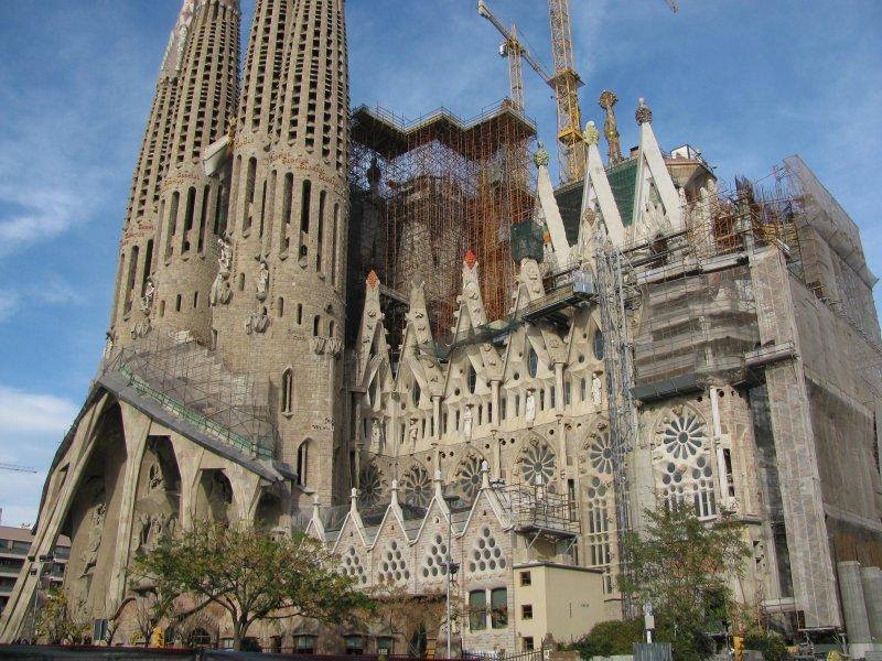 .... where the Sagrada Familia continues to grow.
