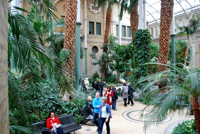 Inside the courtyard of Ny Carlsberg Glyptotek