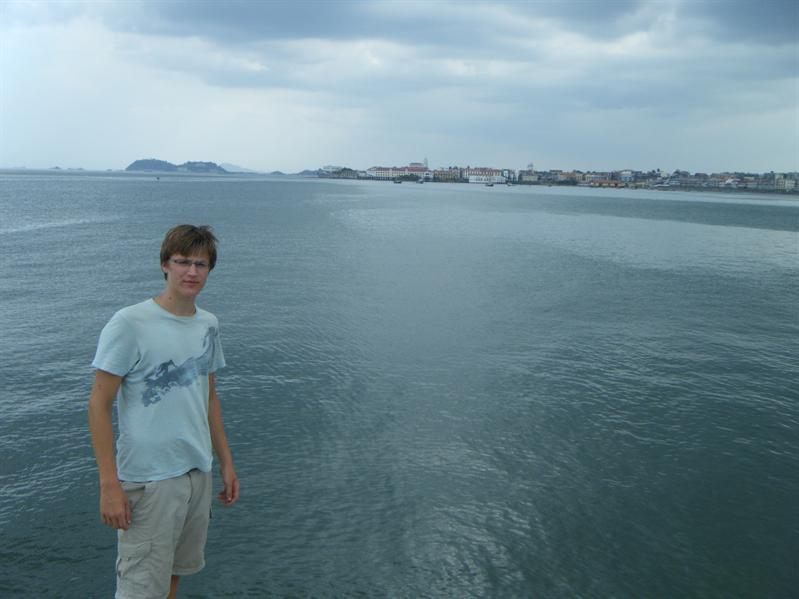 looking back to casco viejo