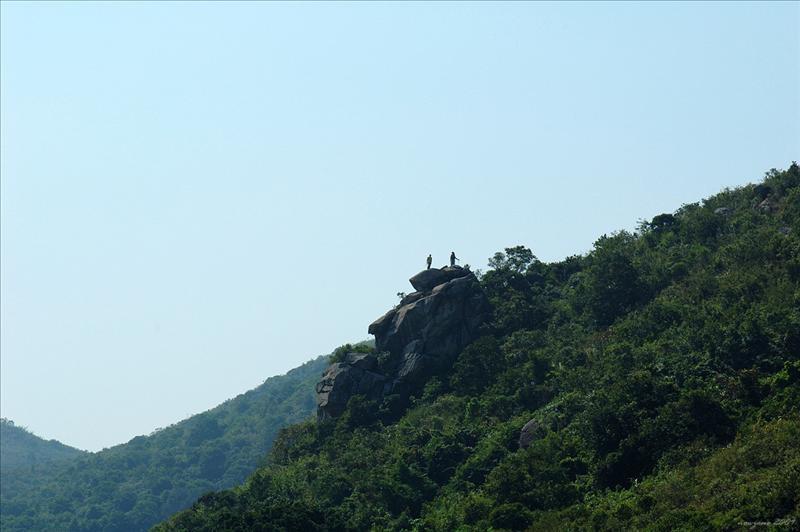 遠眺爐仔石 Lo Tsai Shek