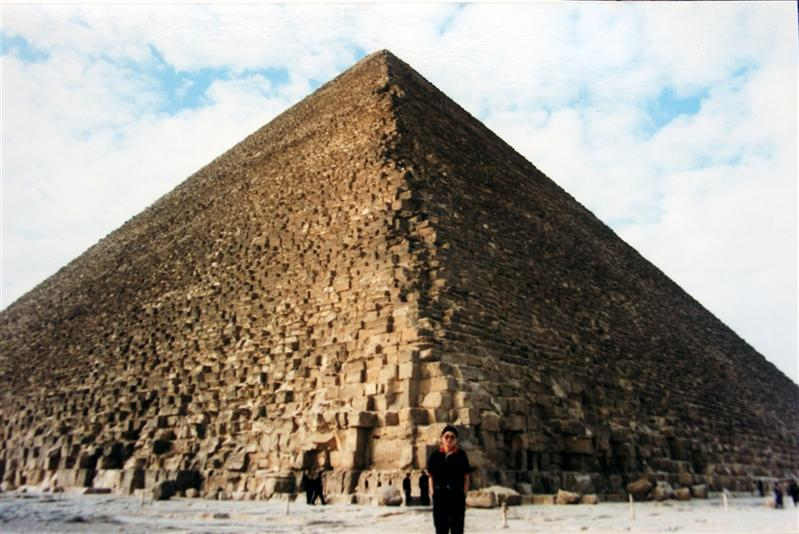 Great Pyramid-King hoops, Giza, Egypt