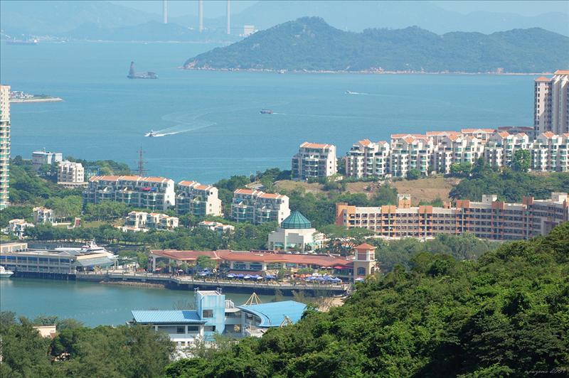 Ferry Pier Plaza 愉景灣碼頭廣場
