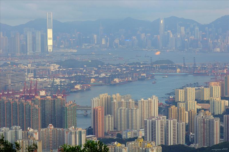 葵涌貨櫃碼頭及香港島
