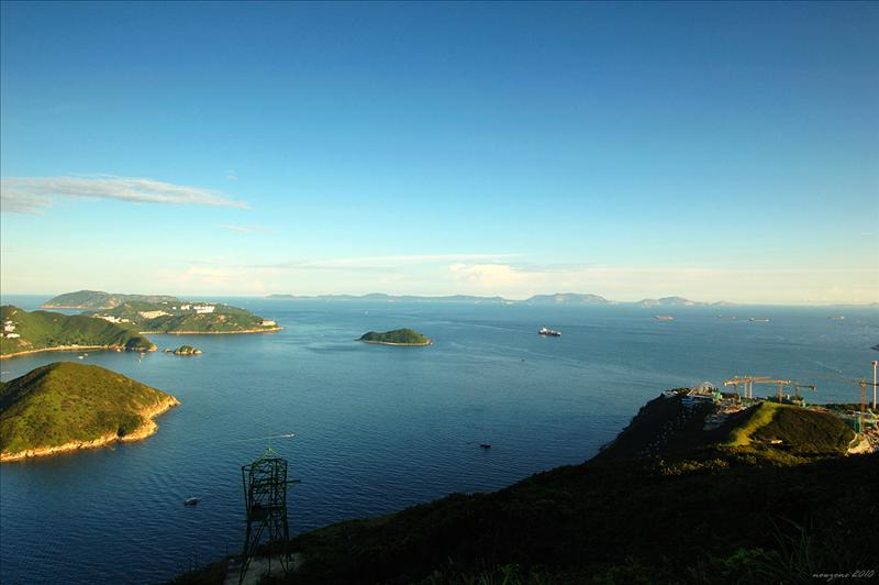 南海及遠處的擔杆列島