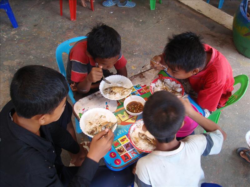 Lunchtime at the Cambodian Children's Painting Project