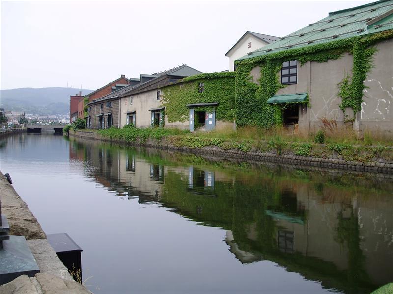 美麗的運河 ( 其實有很多垃圾 )