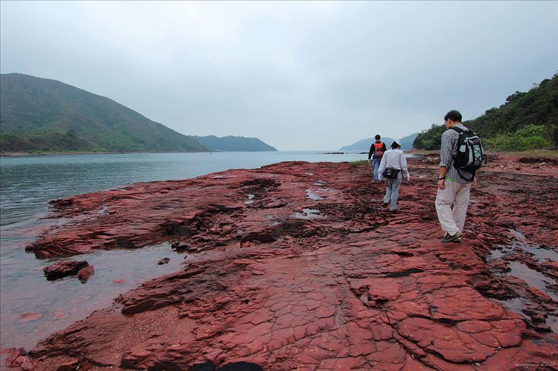紅石門火紅海岸