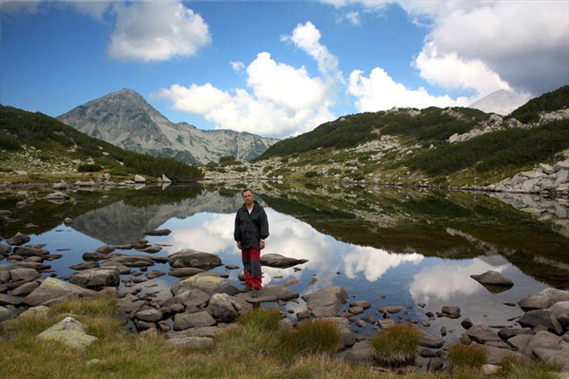 Авторът БатеБорко, Жабешкото езеро и Муратов връх. Даже и Вихрен се вижда!