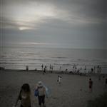 傍晚的竹南海邊。