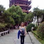 devant la pagode