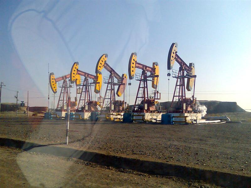 Oil well, Xinjiang