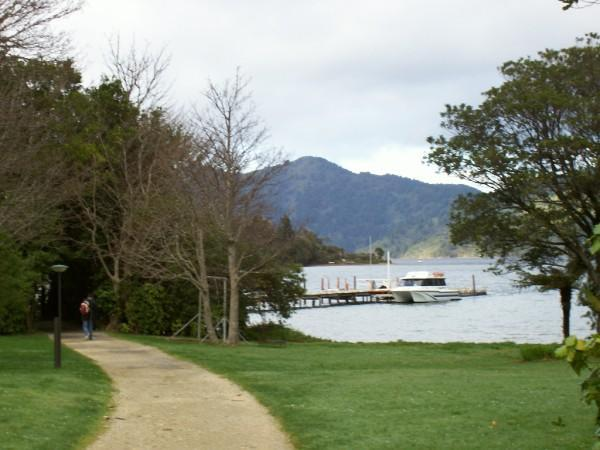 12-AUG-2007 - Leaving the lodge, Marlborough Sounds