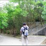 DSCN0005 到行人路盡頭登上梯級後再選行左邊石級.jpg