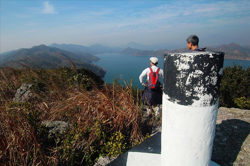 Tai Leng 爬上大嶺的152米標高柱