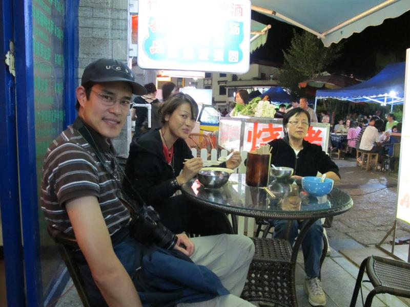 "last day to hang around at night at "" West Street "" ( 西 街 ) of Yangshuo ( 陽 朔 )"