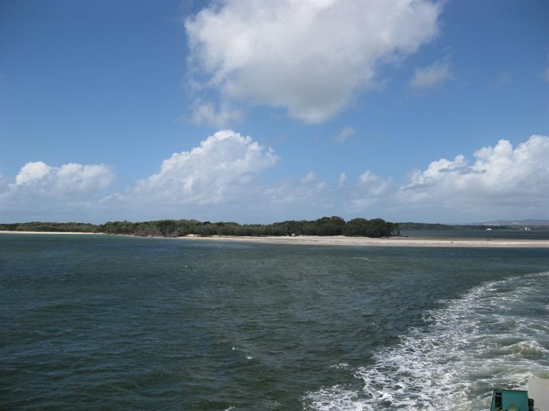 Mainland Oz from barge to Fraser Island