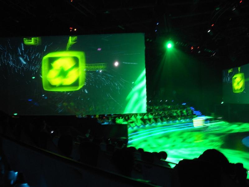 舞台搭配投影超讚的