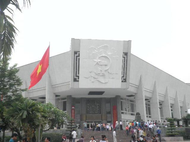 3. Hanoi - Museum.JPG
