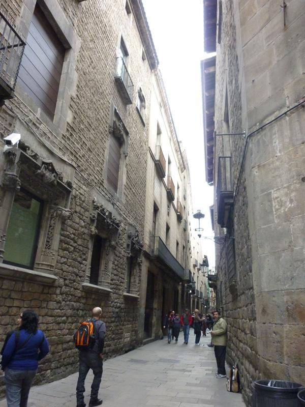 Barcelona (12.7)