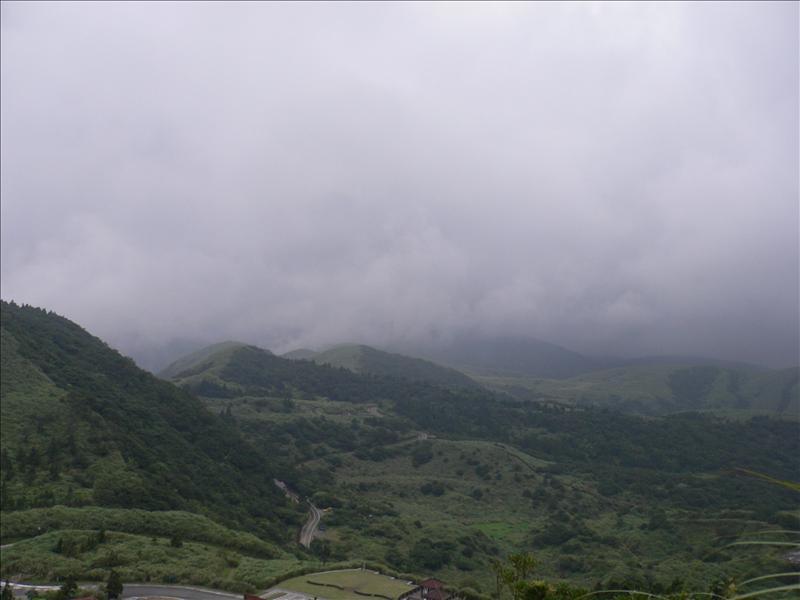 今天天氣不佳, 山上一片霧濛濛