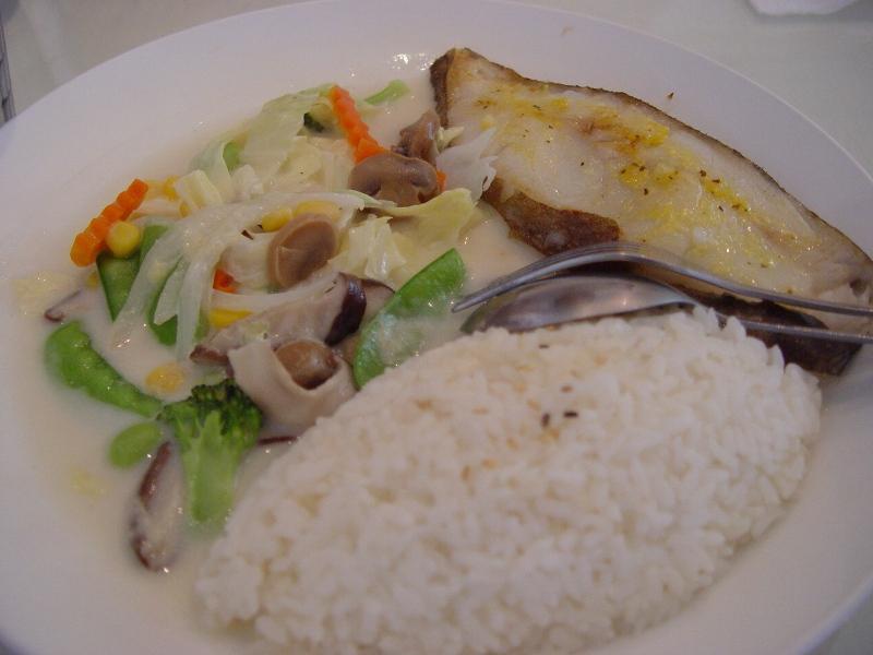 鱈魚飯很清淡