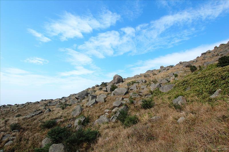 過妙高台(假大霧) 途中的石群