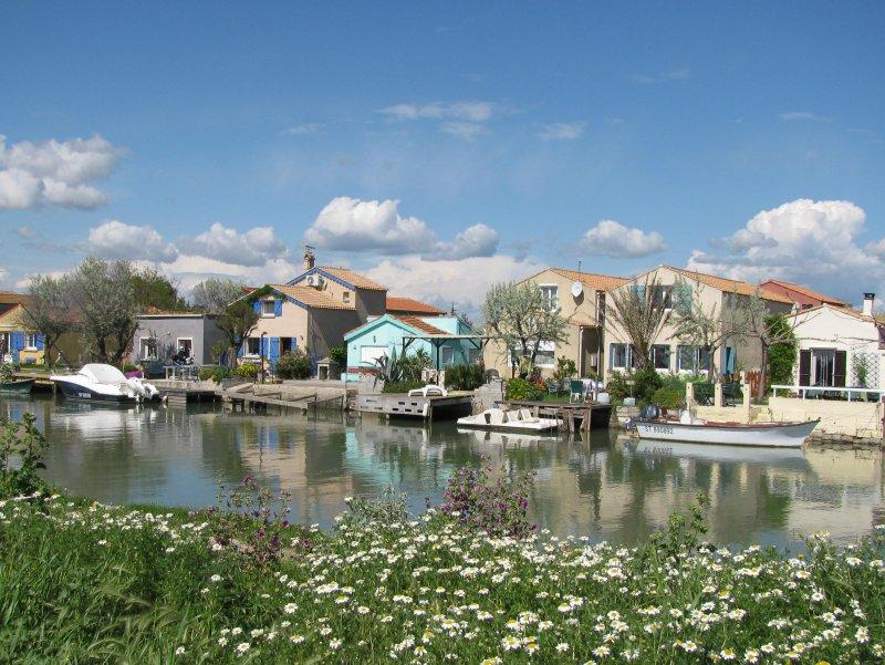.. and pretty waterside houses.