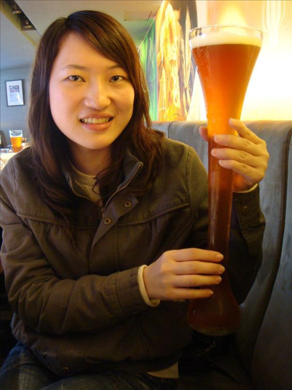 粗魯ㄉ酒杯