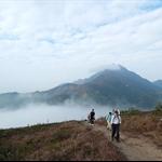 西面的鳳凰山及彌勒山