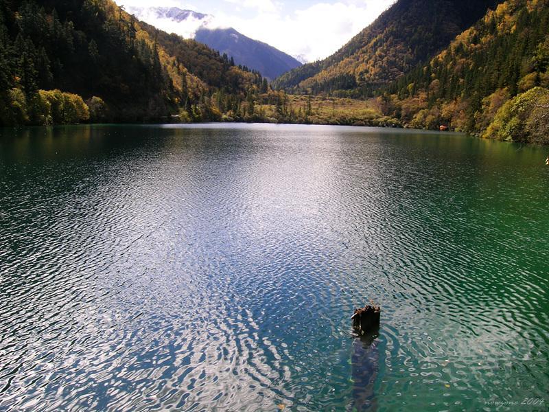 Panda Lake (Xióngmāo Hǎi) 熊猫海