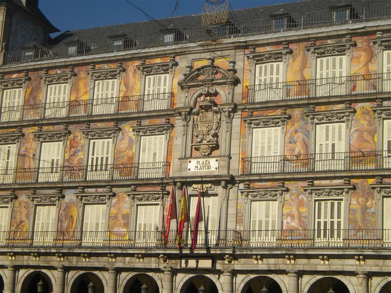 the paintings in Plaza Mayor