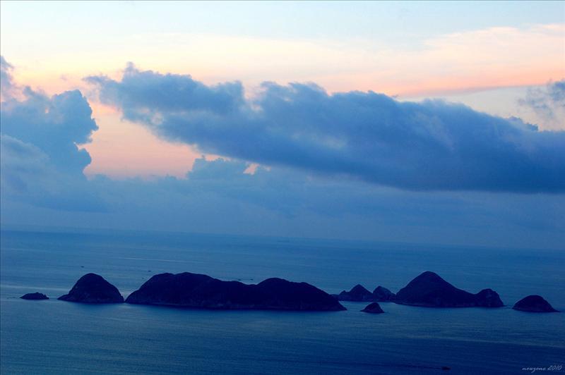 紛陳碧海中的南北果洲群島
