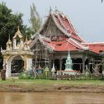 New temple being built beside the Mekong..