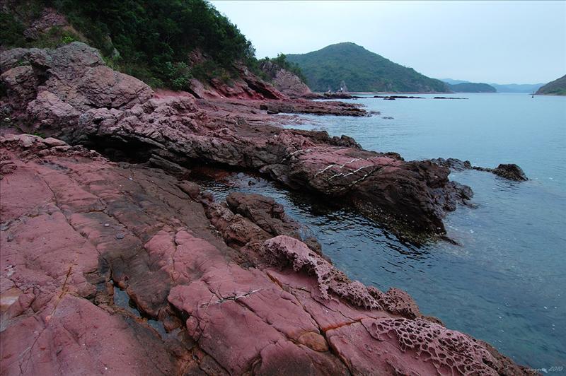 盪排頭回望紅石門水道,左方的是乾門咀,右邊的是往灣洲
