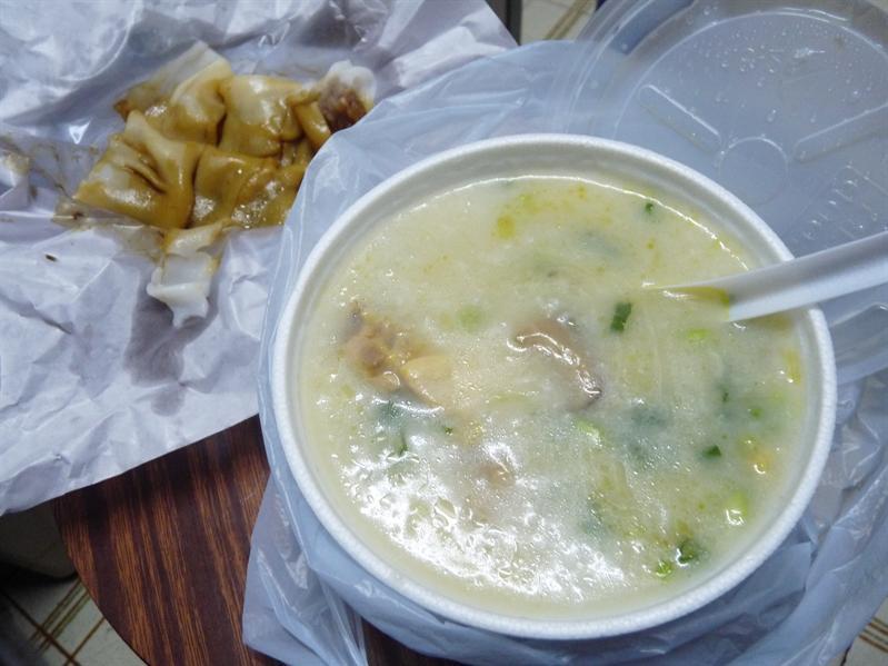北菇滑雞粥+牛肉腸粉