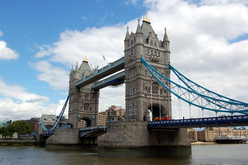 Tower Bridge: London