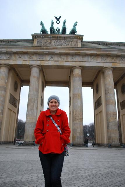 Dani at the Brandenburg Gate