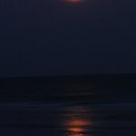 พระจันทร์ขึ้นฟ้า แต่ถ่ายออกมา ยังกะพระอาทิตย์ เพราะจริงๆ แล้วตั้ง ไวน์บาลาสผิดแหละ ;p