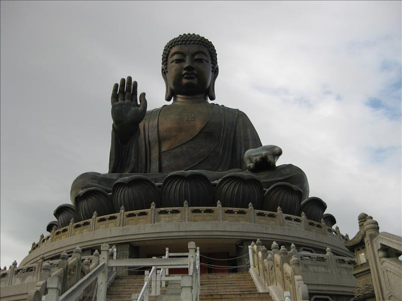 Tian Tan is an 85-foot-high bronze Buddha statue