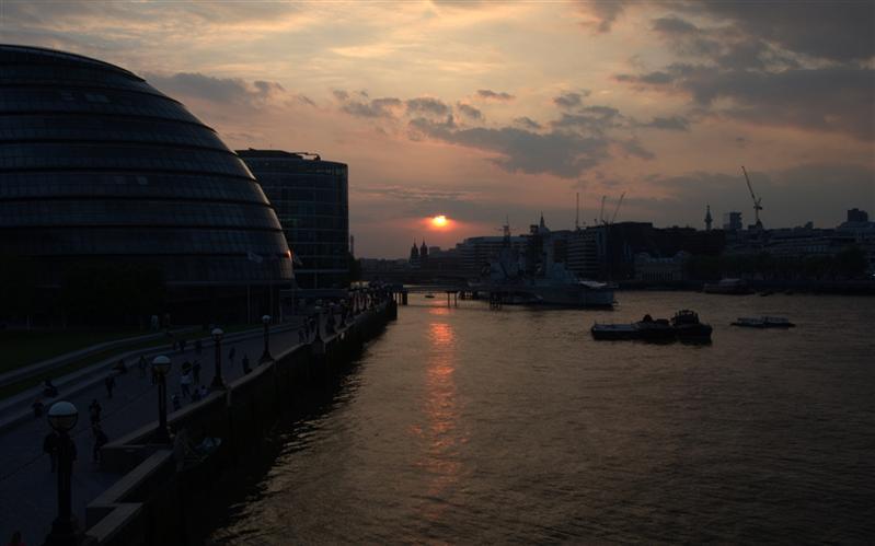 View on Tower Bridge, Thames, London, United Kingdom