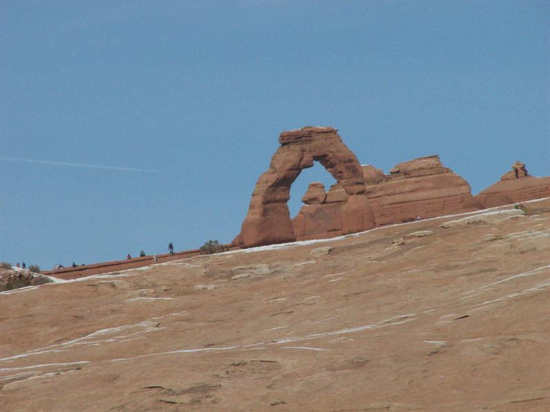 Delicate Arch from the viewpoint
