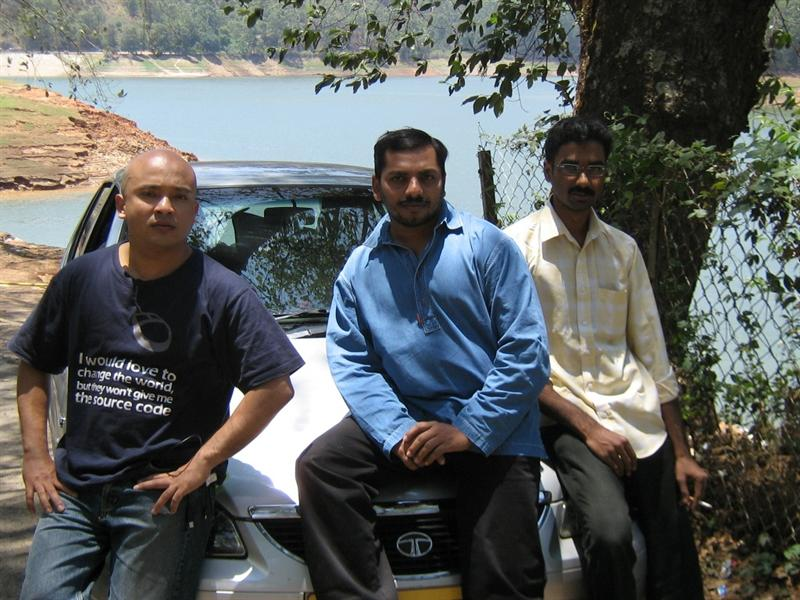 sarose, shahul hameed, arun in front of the car