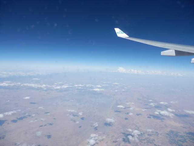 Na een tijdje zee vliegen we boven Afrikaanse grond