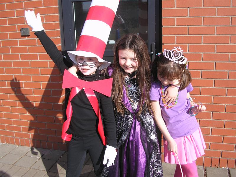 P4 Cat in the Hat, Evil Witch, Hannah Montana lol